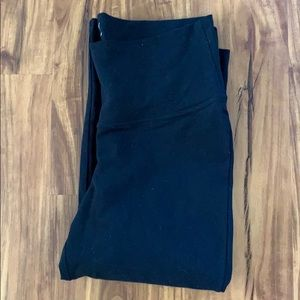Old Navy Pants - Old Navy Black Roll-Panel Yoga Capris